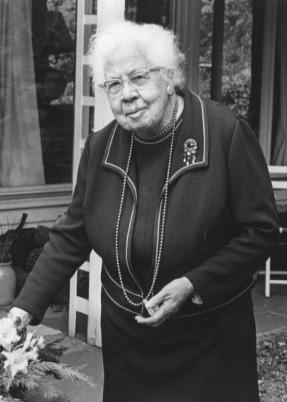 Sabroso Albardilla Espesar  Renee Garrelick Oral History Program -- Gladys Clark. | Special Collections  | Concord Free Public Library