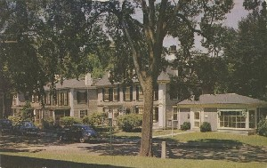 Colonial Inn; mid 20th  	century